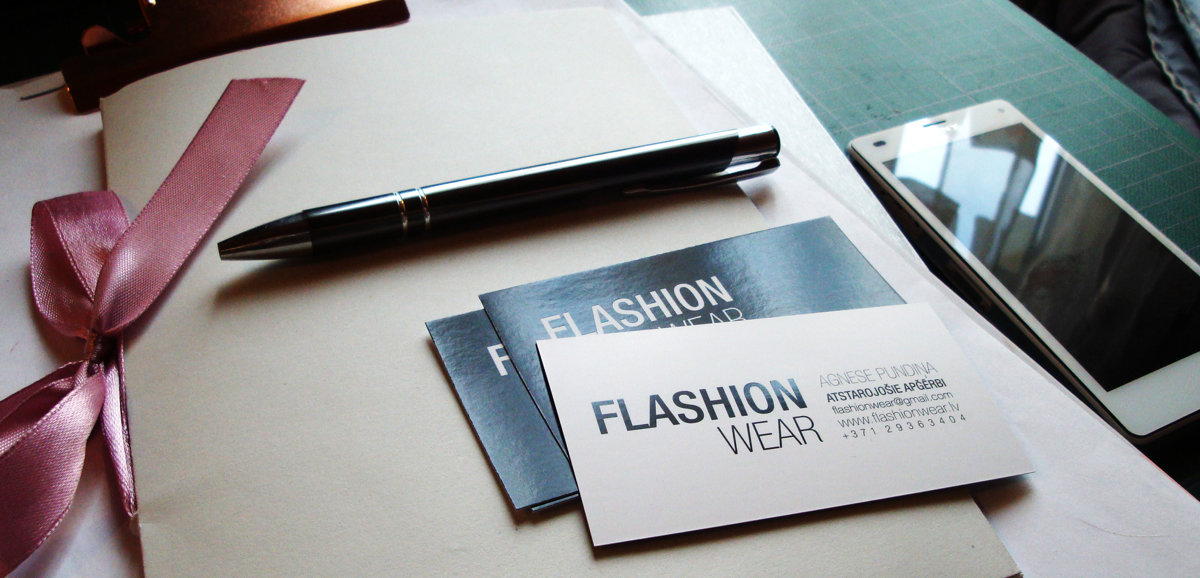 Contact with FLASHION wear