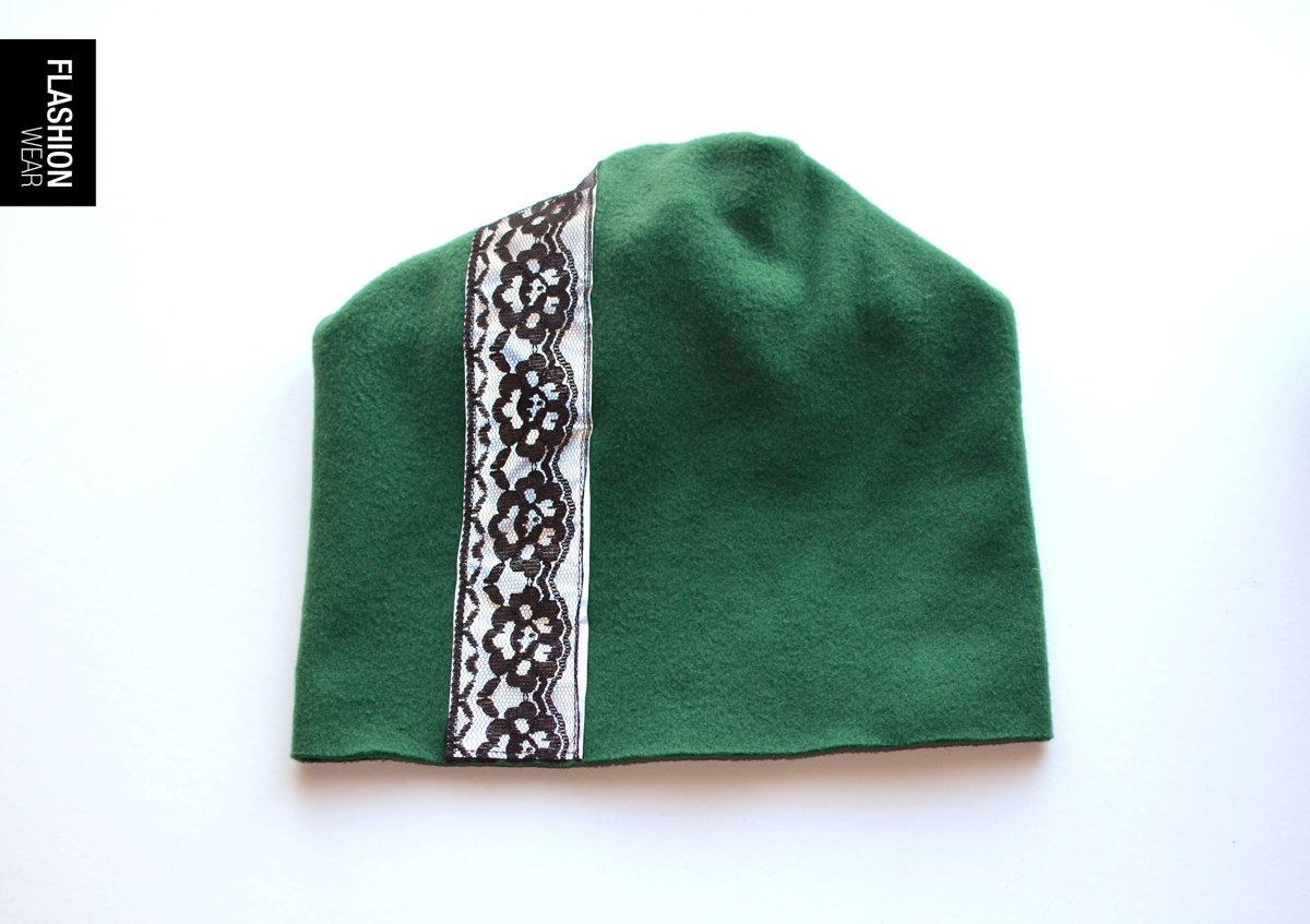 Atstarojošā cepure ar mežģīni